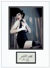 Liza Minnelli Autograph Signed Display - Cabaret